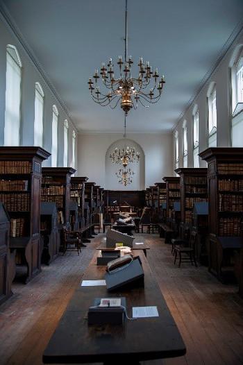 Refectory Library ©Peter Burmann